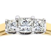18CT YELLOW GOLD 0.33CT DIAMOND PRINCESS CUT 3 STONE RING